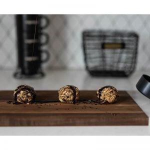 Boules énergie avec coulis au chocolat - La Pause Magique